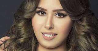ممثلة تطالب هانى شاكر بوقف المطربة إيناس عز الدين ﻹدعائها الإصابة بفيروس كورونا