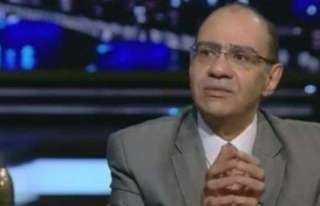 رئيس لجنة مكافحة كورونا: الفيروس لا ينتقل بالهواء