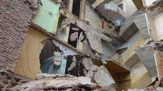 لجنة هندسية لمعاينة انهيار أجزاء من عقار شبرا