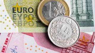 تراجع احتياطي النقد الأجنبي السويسري في يوليو