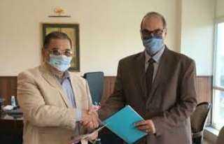 «هيئة المستشفيات التعليمية» توقع بروتوكول تعاون مع «صحة القاهرة»