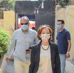 الدكتورة جاكلين عازر نائب محافظ الإسكندرية تدلي بصوتها بانتخابات النواب