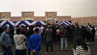 حقوقيون يودعون حافظ أبو سعدة لمثواه الأخير بمقابر الأسرة