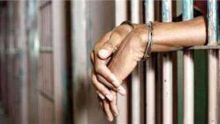 تجديد حبس سائق وعاطل لحيازتهما المواد المخدرة بالمرج