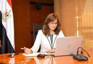 وزيرة الهجرة تعقد أولى لقاءات مبادرة «مصرية بـ100 راجل»
