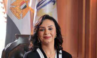 مهرجان أسوان لأفلام المرأة يكرم الدكتورة مايا مرسي بجائزة نوت للإنجاز