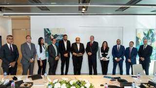 """موانئ دبي العالمية ومجموعة """"إنترو"""" توقعان اتفاقية لإعادة تشغيل المجزر الآلي بالعين السخنة"""