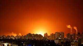 إسرائيل تدك جنوب لبنان ب92 قذيفة صاروخية