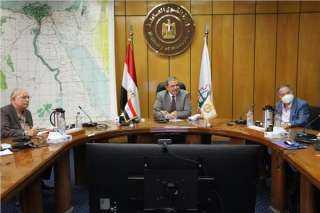 """""""سعفان"""" يناقش مشروع ربط العاملين المصريين بالخارج مع المكاتب العمالية"""