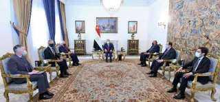 """الرئيس السيسي يستقبل السيناتور """"روبرت مينينديز""""، رئيس لجنة العلاقات الخارجية بمجلس الشيوخ الأمريكي"""
