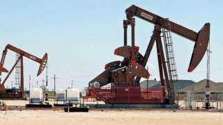 النفط يقفز أكثر من 3% ويتجه صوب أعلى مكاسب في أسابيع