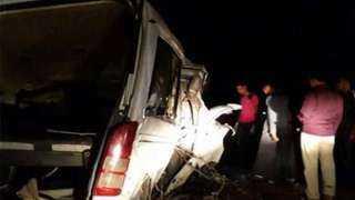 إصابة 8 أشخاص في حادث انقلاب ميكروباص بكورنيش حلوان