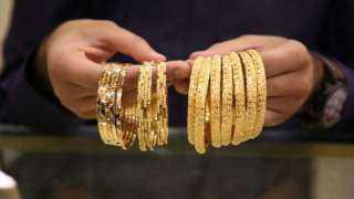 شعبة الذهب توضح أسباب ارتفاع مصنعية الجرام عيار 18: «بيخس في التصنيع»