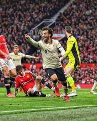 اسطورة الكرة المصرية محمد صلاح يقود ليفربول لاكتساح مانشستر يونايتد بخماسية